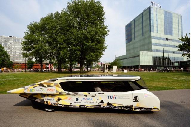 Stella Lux: nasce la prima auto a energia solare