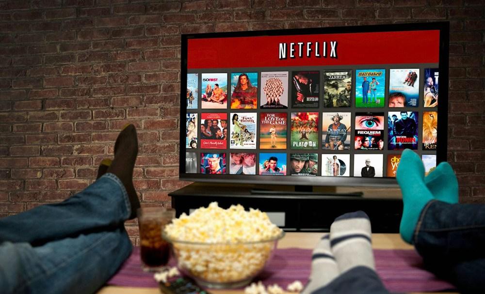 "Netflix mette in scena ""The Crown"", la serie sulla regina Elisabetta d'Inghilterra"