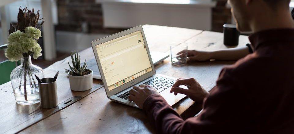 Offerte Internet e Telefono: Infostrada Absolute Fibra in promo solo su ComparaSemplice