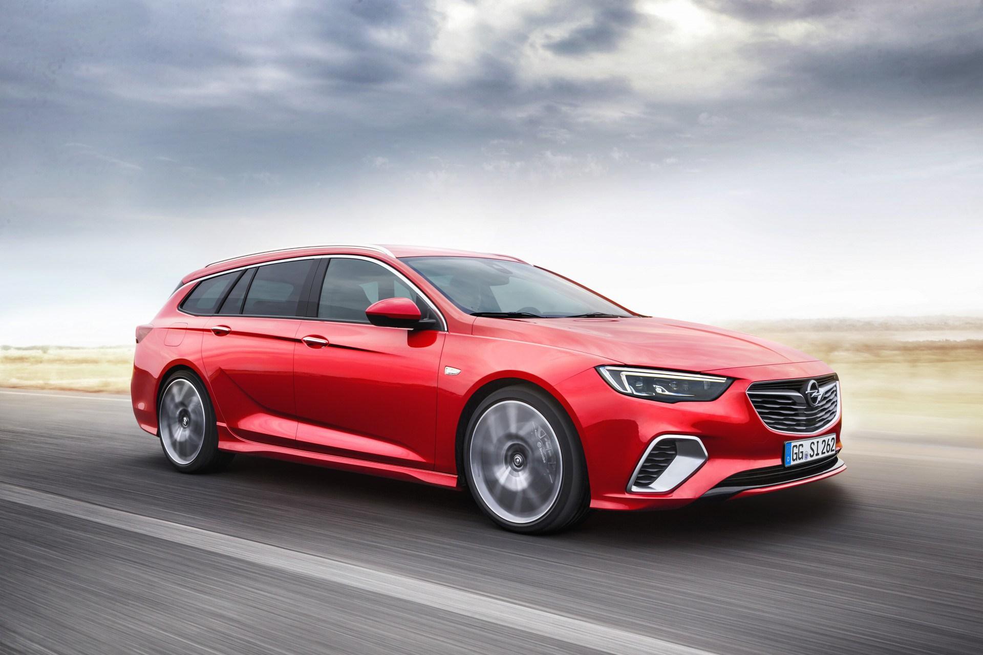 Opel Insignia: arriva un nuovo diesel e la versione GSi Sports Tourer