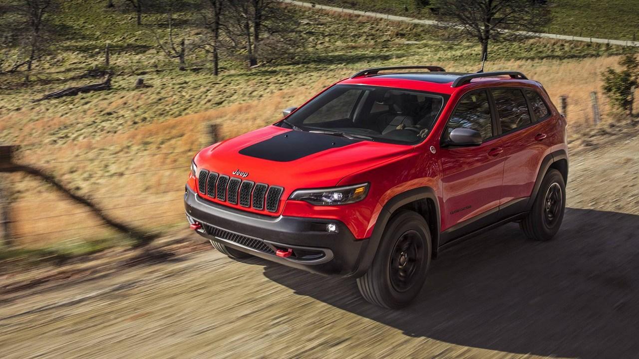 Jeep Cherokee 2018: arriva il restyling. 90 Kg in meno e 275 CV