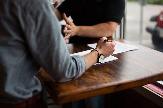 Contratto luce e gas: 5 consigli da seguire prima di firmare