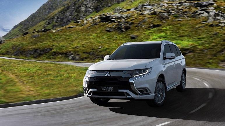 Mitsubishi Outlander PHEV: l'ibrida plug-in ora ha il 2.4 a ciclo Atkinson