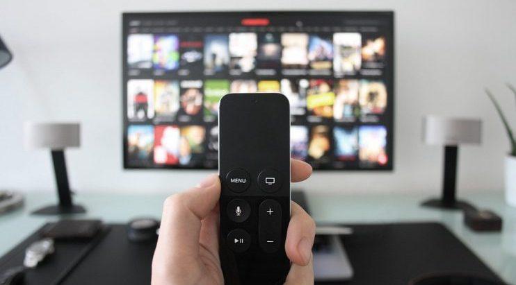 Accordo Sky Mediaset: quello che potrebbe cambiare per i consumatori