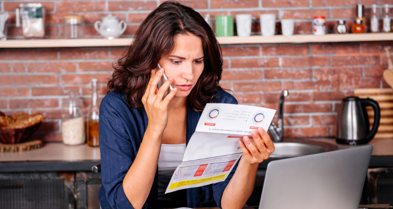 Contratti Internet: i 5 costi nascosti da controllare prima di firmare