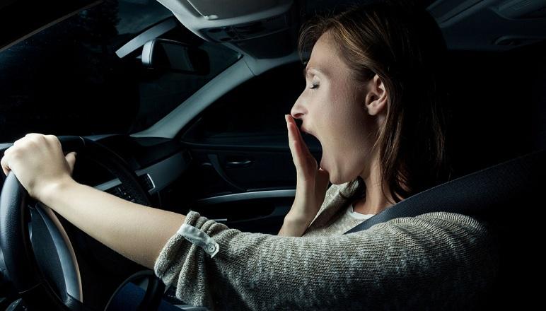 Evitare i colpi di sonno alla guida? Ecco qualche consiglio pratico