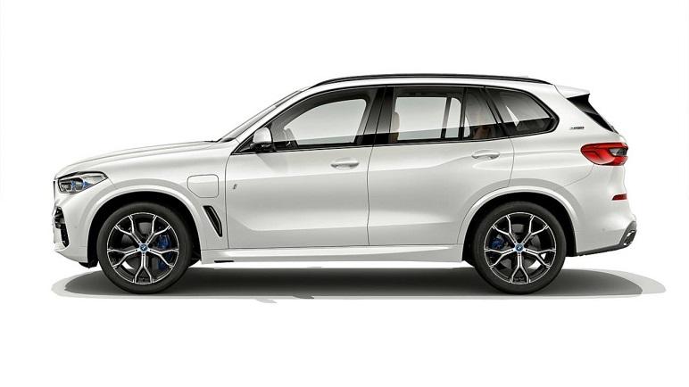 BMW X5 xDrive 45e iPerformance: caratteristiche del SUV
