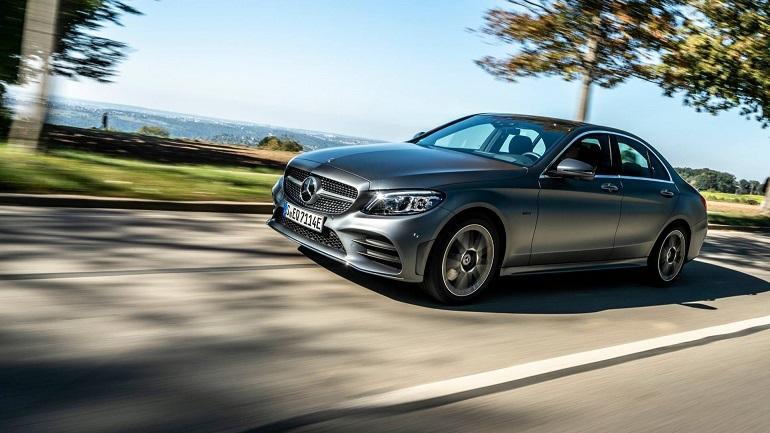 Mercedes-Benz Classe C ed E: caratteristiche delle ibride