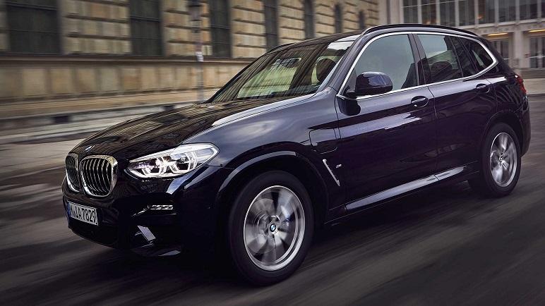 BMW X3 xDrive30e: le caratteristiche del SUV ibrido plug-in