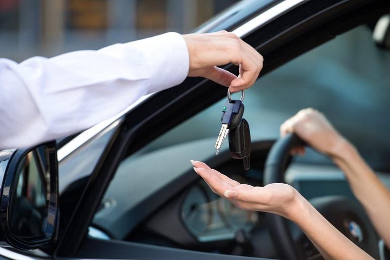 Auto per neopatentati: limitazioni e consigli utili