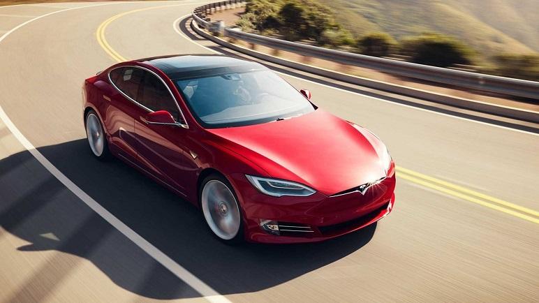 Tesla Model S e X: caratteristiche delle elettriche con più autonomia