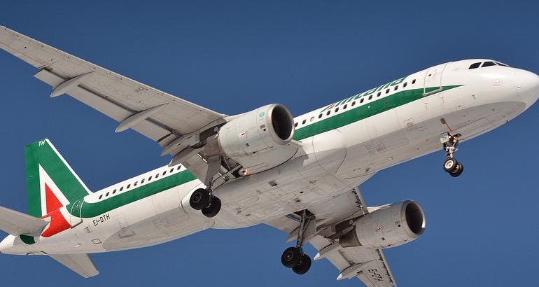 Decreto crescita, salviamo l'Alitalia… con le bollette