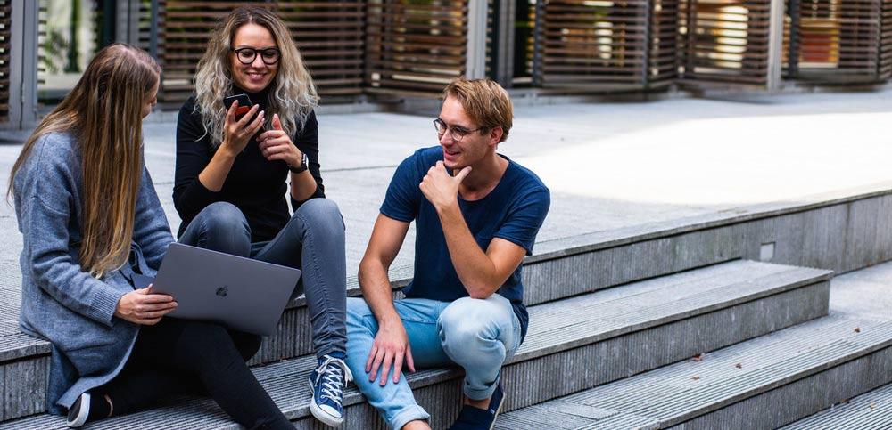 Assicurazione studente Erasmus: polizza viaggio universitari all'estero
