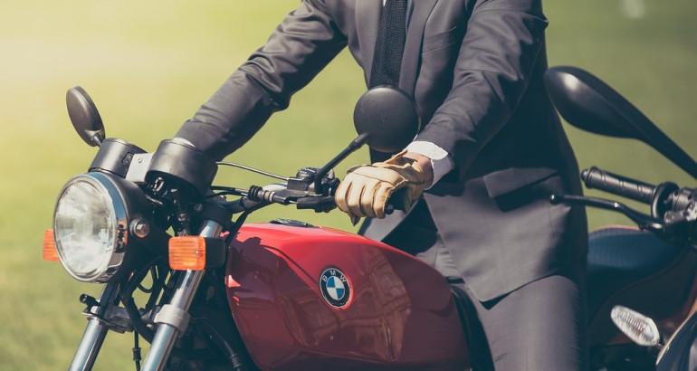 Come risparmiare sulla prima assicurazione moto