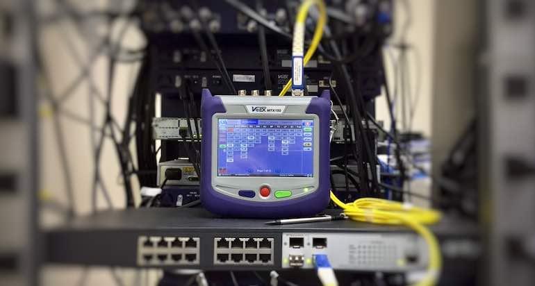 Come si installa la fibra ottica in casa: lavori e tempistiche