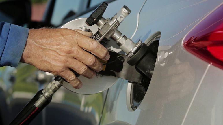 Dal benzinaio: self service metano, cosa c'è da sapere