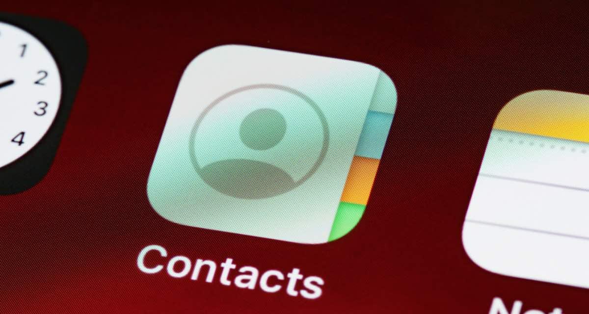 Come spostare i numeri dalla sim al telefono in 3 step (Android e iOS)