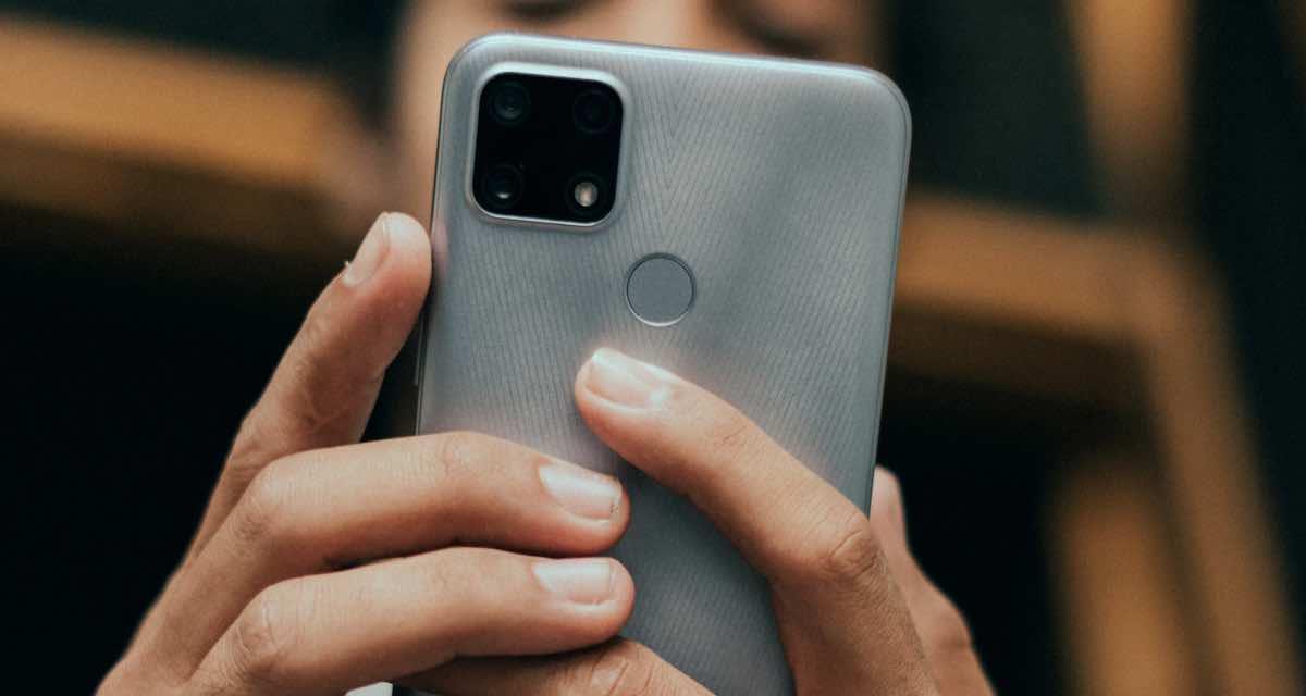 Cellulari 5G più economici per il Black Friday e Natale 2020: 3 consigli